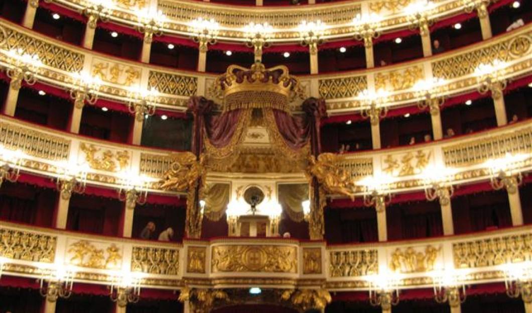 圣查尔斯皇家剧院(圣卡罗歌剧院)- 那不勒斯,意大利
