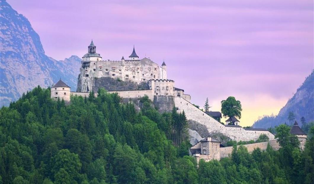 霍亨维尔芬城堡,奥地利。